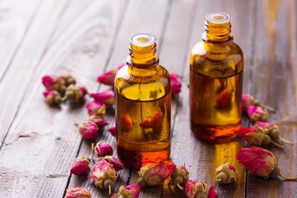 Как сделать эфирное масло розы самостоятельно