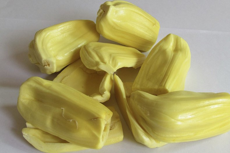 Очищенные дольки мякоти джекфрута