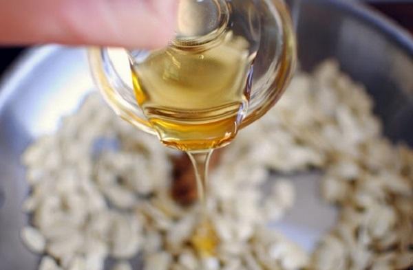 Лечение гилстов тыквенными семечками и косторовым маслом