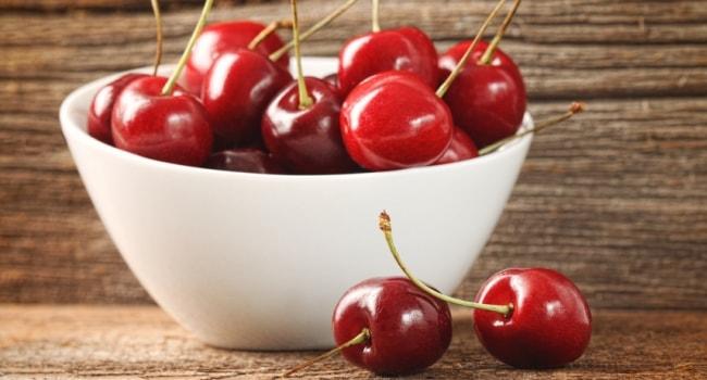 Черешня низкокалорийная ягода