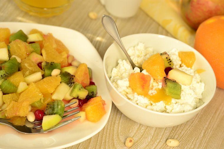 фруктовый салат и творог