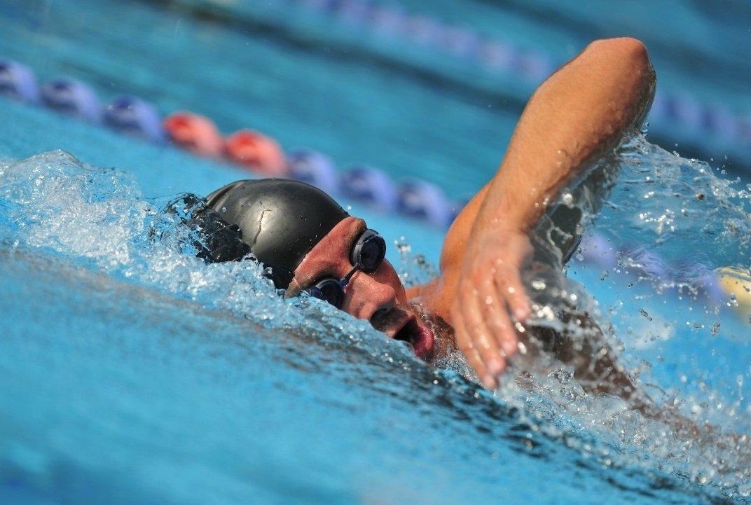 Как научиться плавать кролем и брассом?