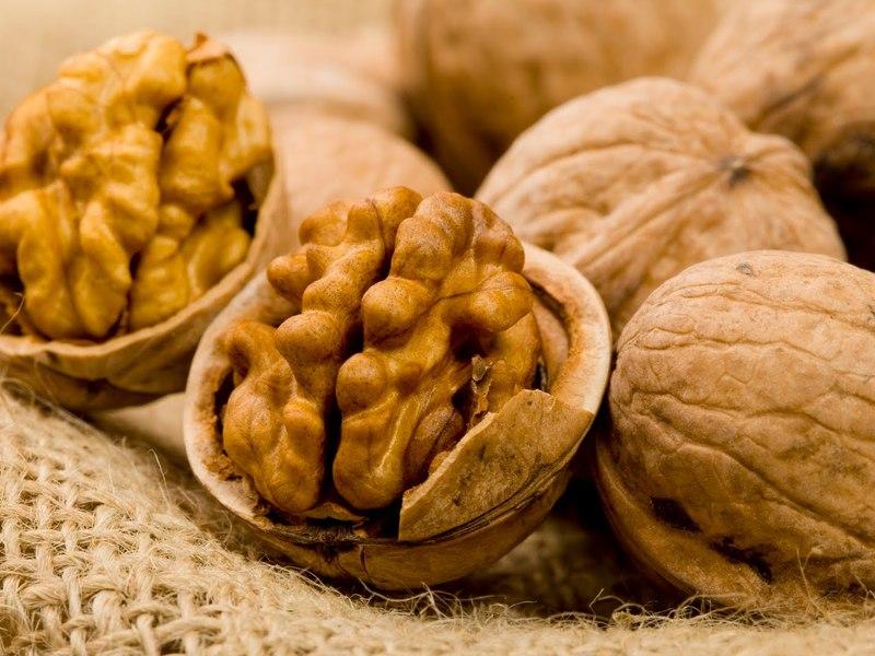 Крупные грецкие орехи фото