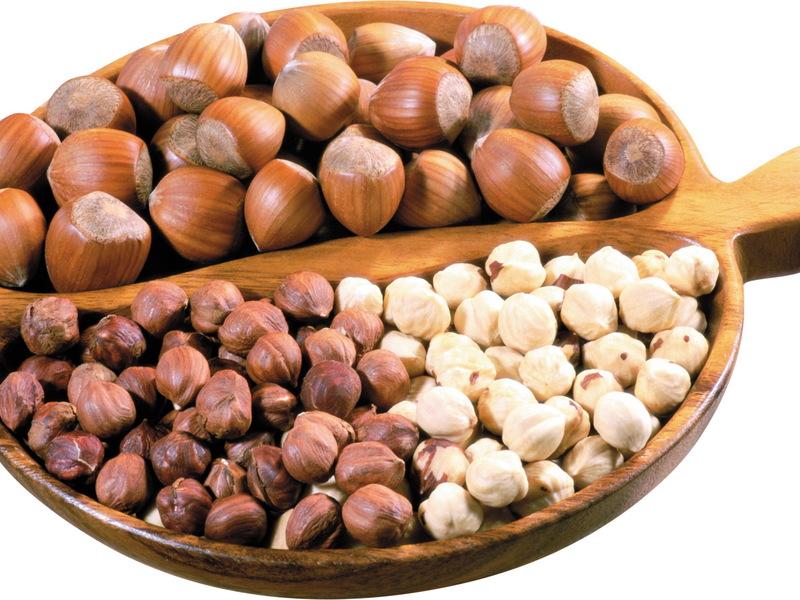Орехи на блюде фото