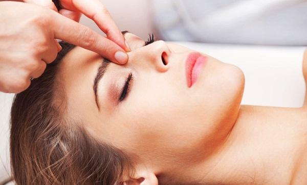 Шум в ушах и голове. Причины, лечение народными средствами. Список препаратов при остеохондрозе, низком давлении, зевоте, ВСД