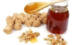 Орехи и мед обладают тонизирующим и питательный эффектом для нервных клеток (www.narodnymi.com)