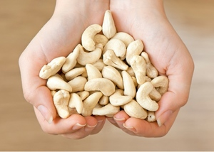 Польза употребления орехов кешью для женского организма