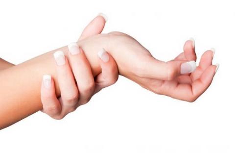 Онемение большого и указательного пальца