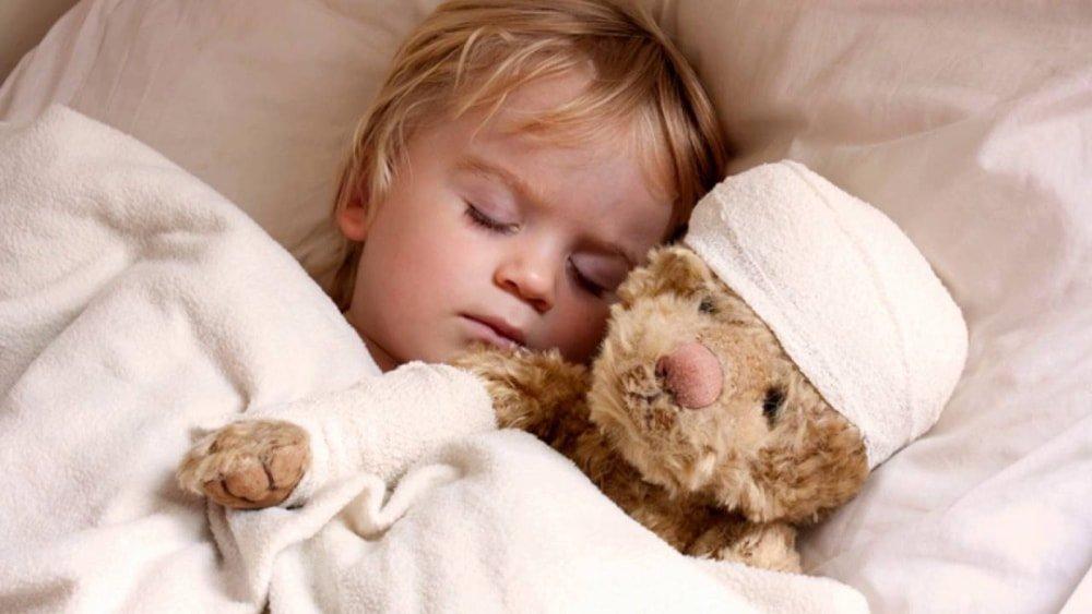почему ребенок сильно скрипит зубами во сне
