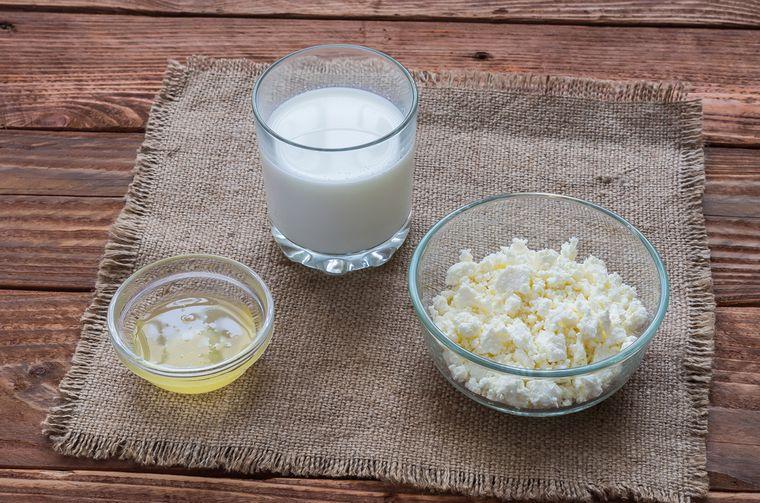 творог, молоко и мед
