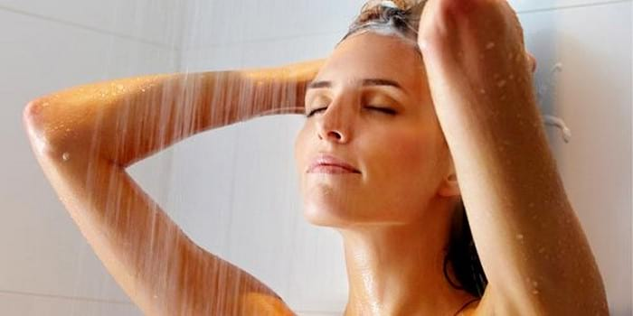 Контрастный душ для укрепления сосудов и нервной системы, от хондроза и целлюлита