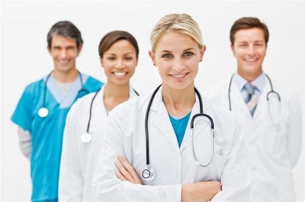 К специалисту нужно будет сходить на обследование при возникновении боли в желудке в обязательном порядке