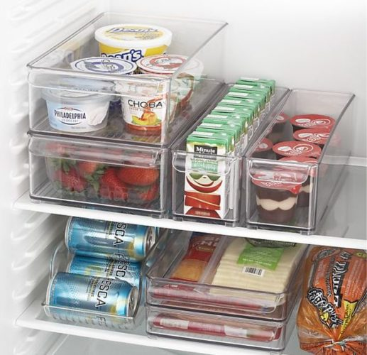 Хранение продуктов в холодильнике в индивидуальных контейнерах позволит не нарушить товарного соседства